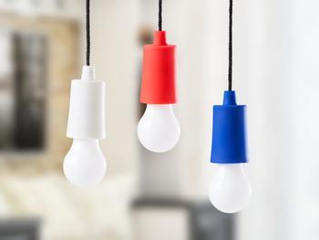 Spralla LED-lampa i Snöre